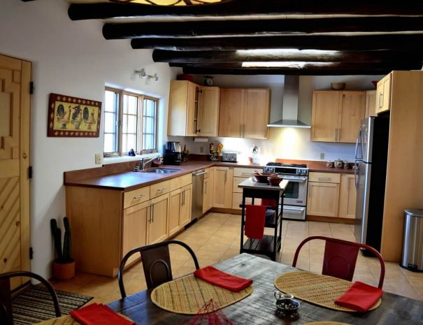 Casa Tranquila Taos Vacation Rental Home kitchen