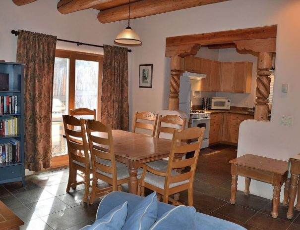 Taos Vacation Rental house dining