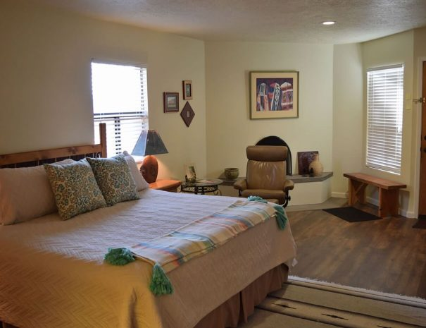 Vacation rental home with pool and tennis bedroom 2