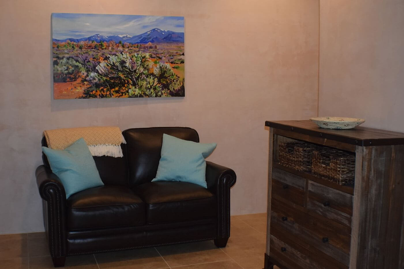 Taos vacation rental aire fresca seating area