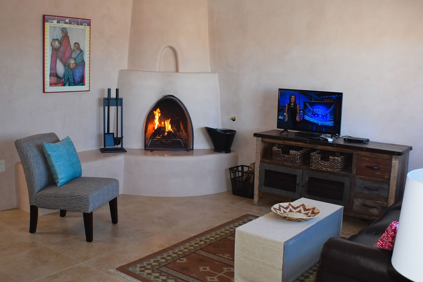 Taos vacation rental aire fresca kiva fire