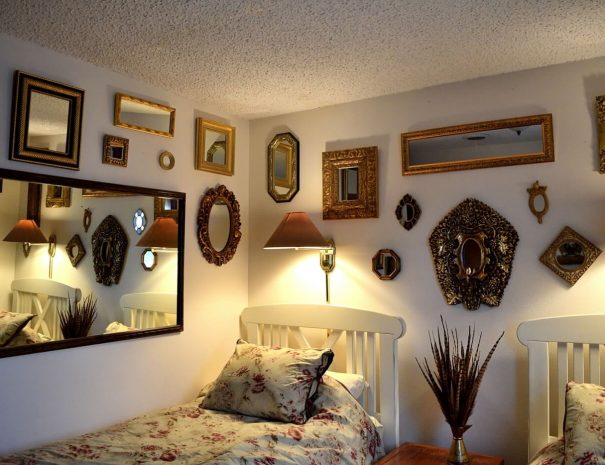 Taos Vacation Rental Home twin room