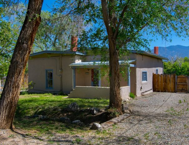 Taos Vacation Rental home exterior views