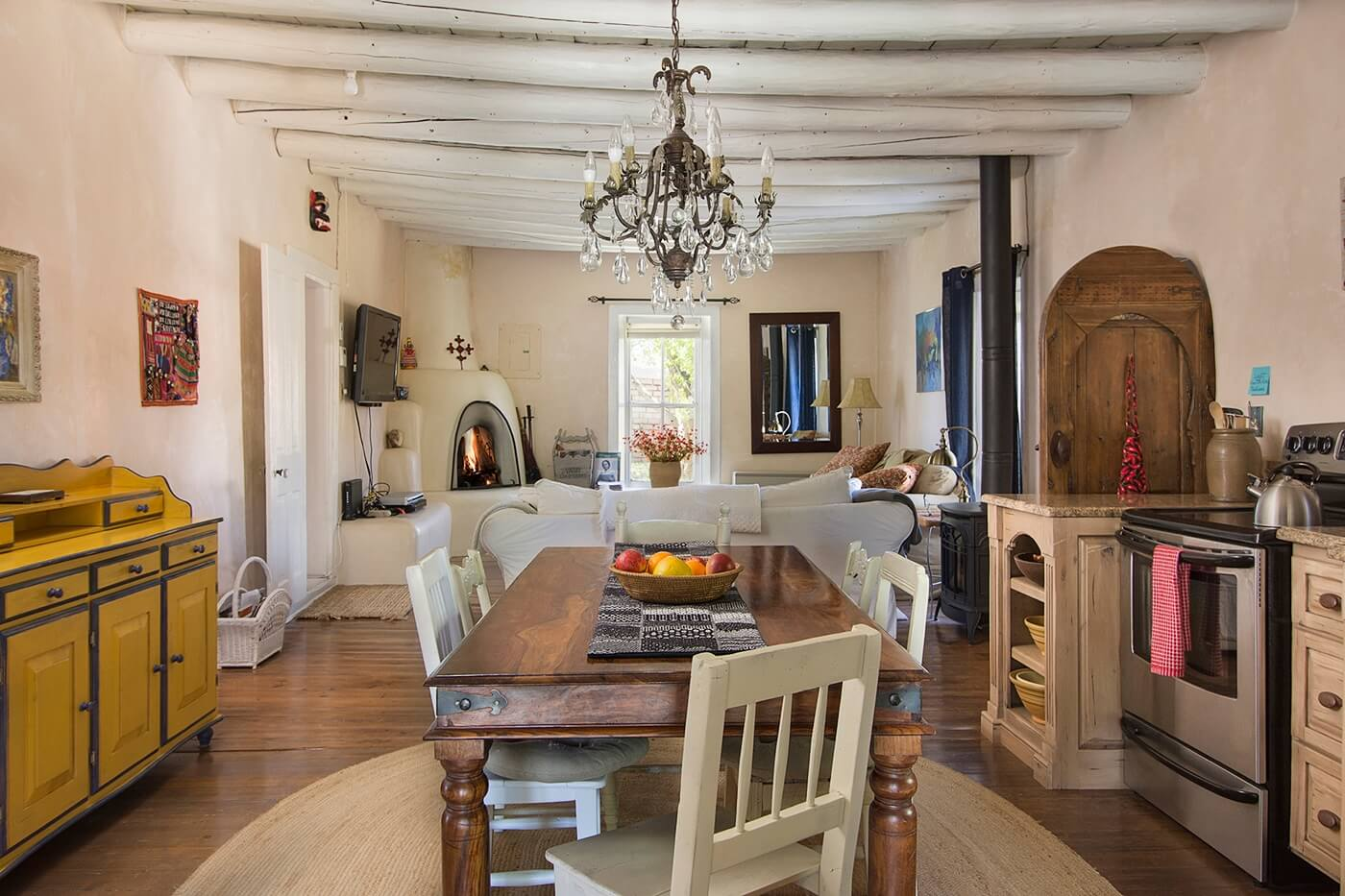 Taos Vacation Rental home dining area