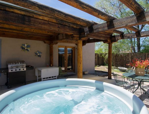 Taos Vacation Rental home hot tu