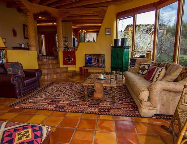 Taos Vacation Rental Home sleeps 8