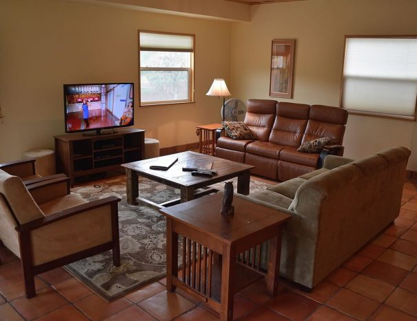 Taos Vacation Home Living room