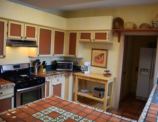 Taos Vacation Home kitchen