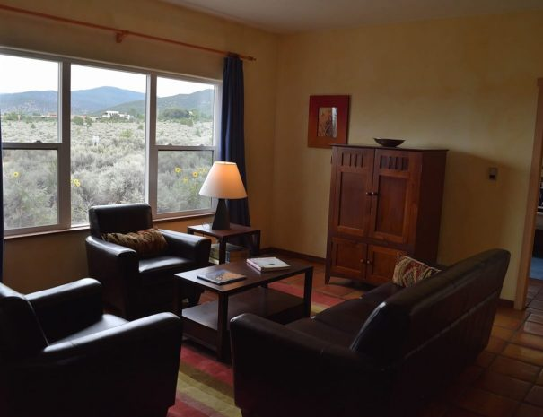 Taos Vacation Home living