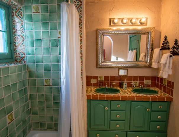 Historical Taos Vacation rental bathroom