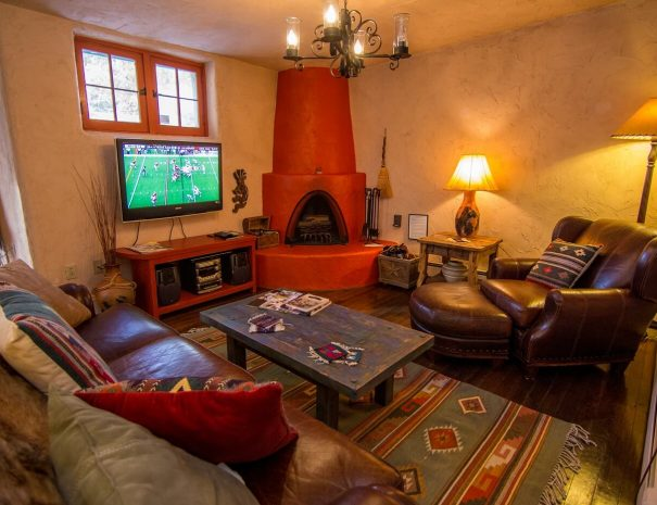 Historical Taos Vacation rental lounge