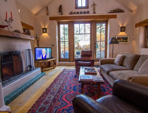 Taos Vacation Rental Home adobe home