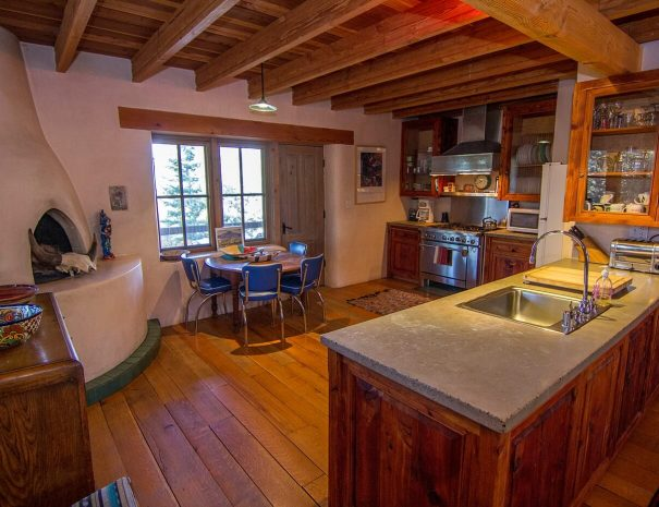Taos Vacation Rental Home modern living