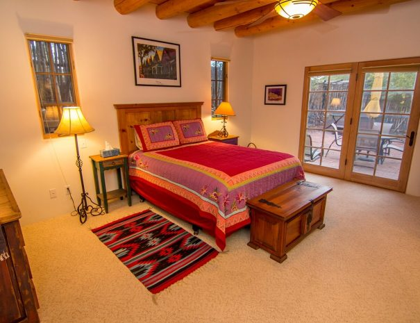 Taos Vacation Rental Home queen